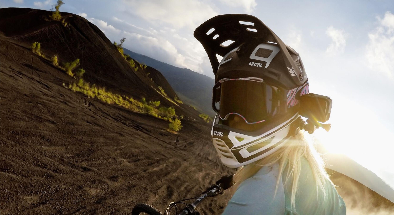 Helmet-front-lifestyle-image